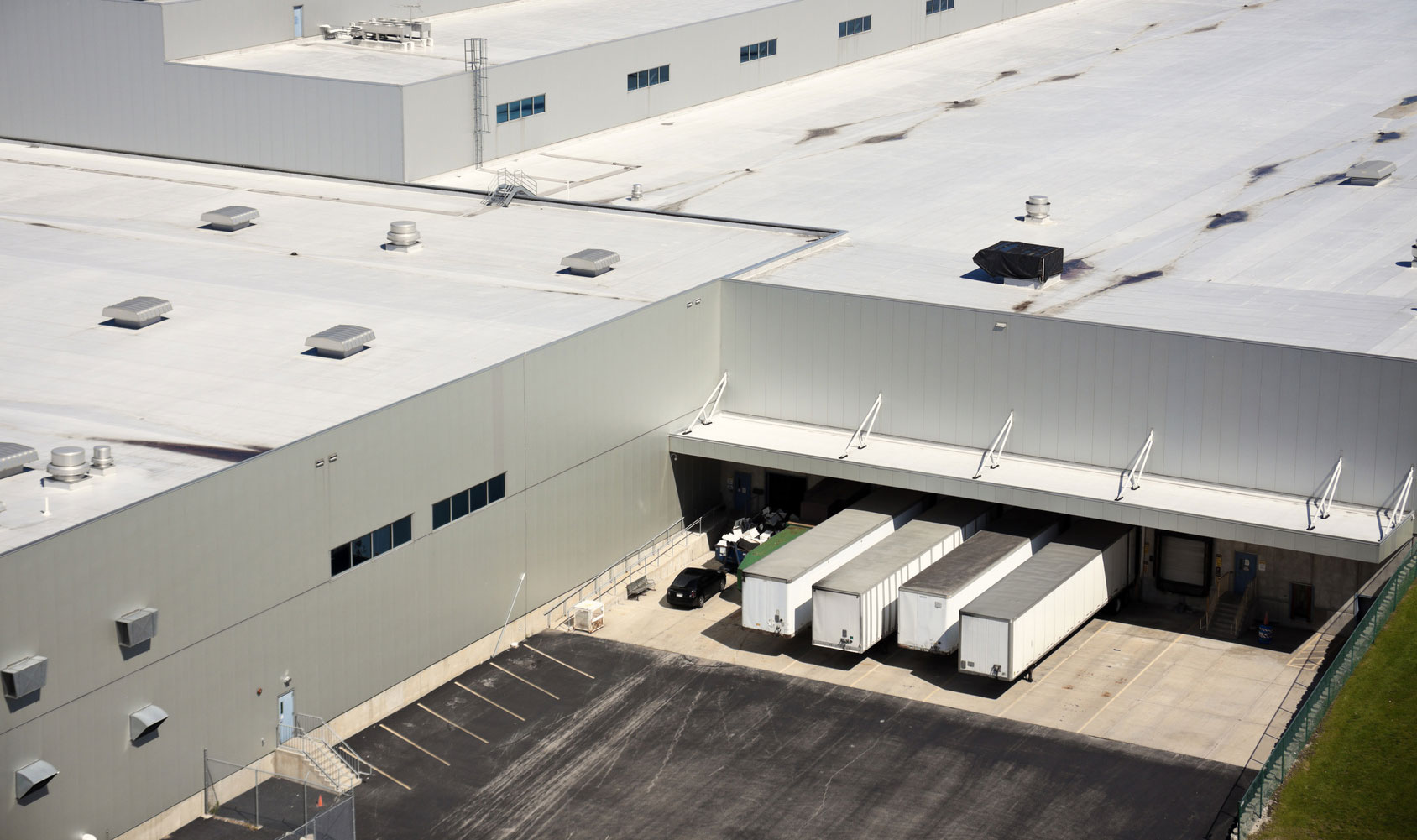 The Advantages of Maintaining Your Warehouse Roof