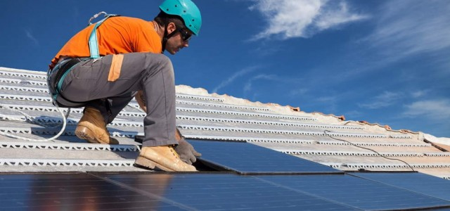 Roofing system guide: Solar Roofing Systems | R.O. Steel